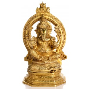 Ganesha Statue sitzend mit Aureole Vorderansicht
